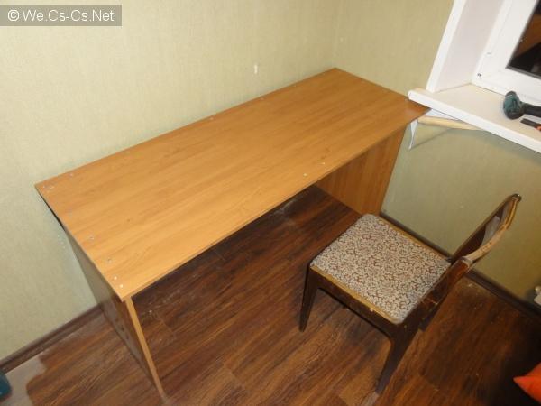 Стол со стулом =)