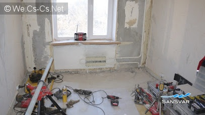 Маленькая комната, отведенная под рабочее место Олега