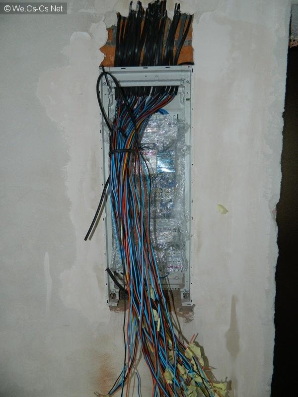Снятие изоляции с кабелей и прозвонка
